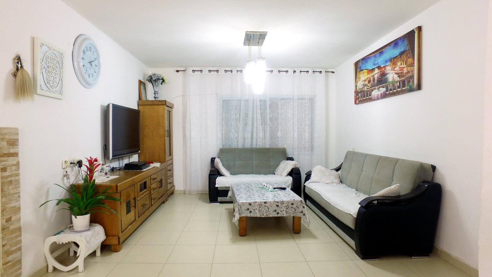 דירה 4 חד' ברחוב מנחם דונקלבלום